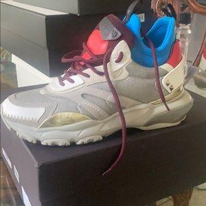 Valentino Bounce Sneaker 41